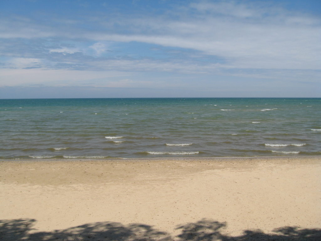 Lake Huron in Caseville  Michigan - Dale's Lakefront Cottages for Rent