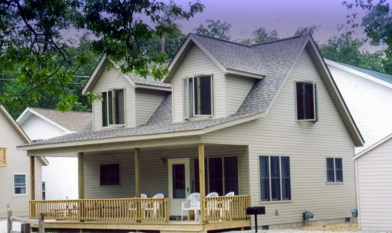 4744_port_austin_rd_front_unit4 - Michigan cottage rentals
